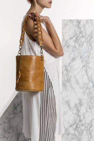 Καφέ δερμάτινη τσάντα
