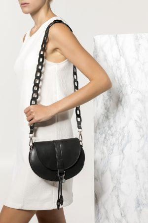 Μαύρη τσάντα ώμου