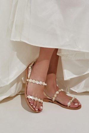 Χρυσά σανδάλια για γάμο