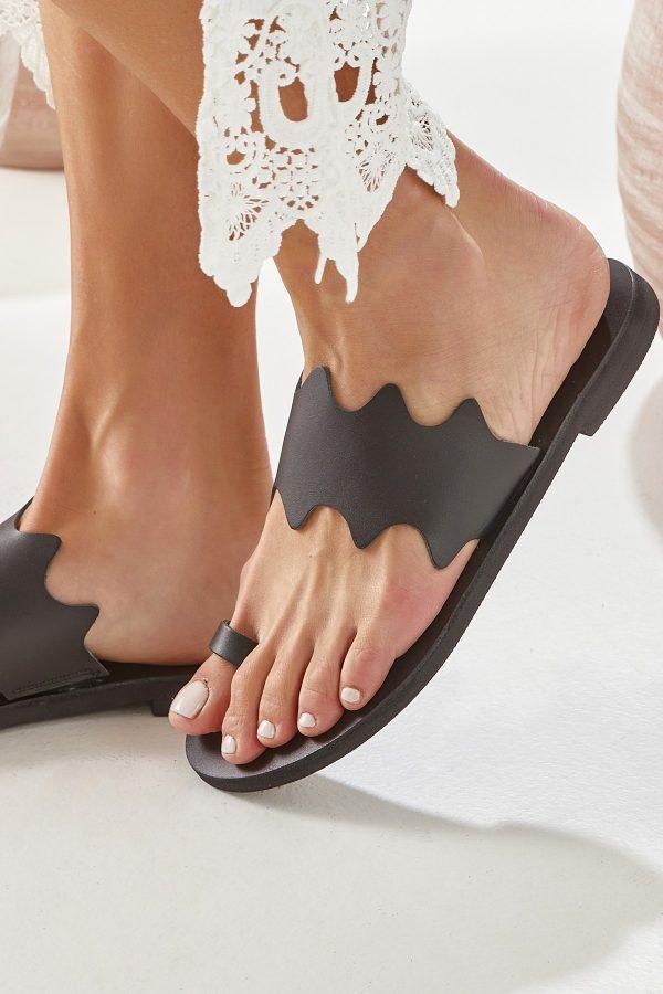 Μαύρα σανδάλια toe ring