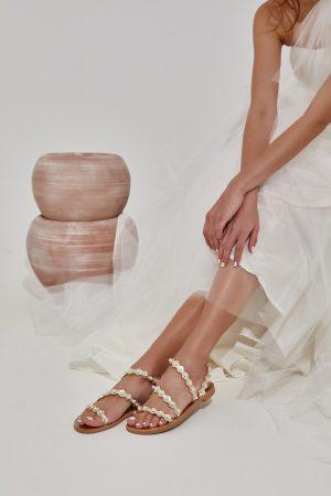 Σανδάλια για νύφη με πέρλες