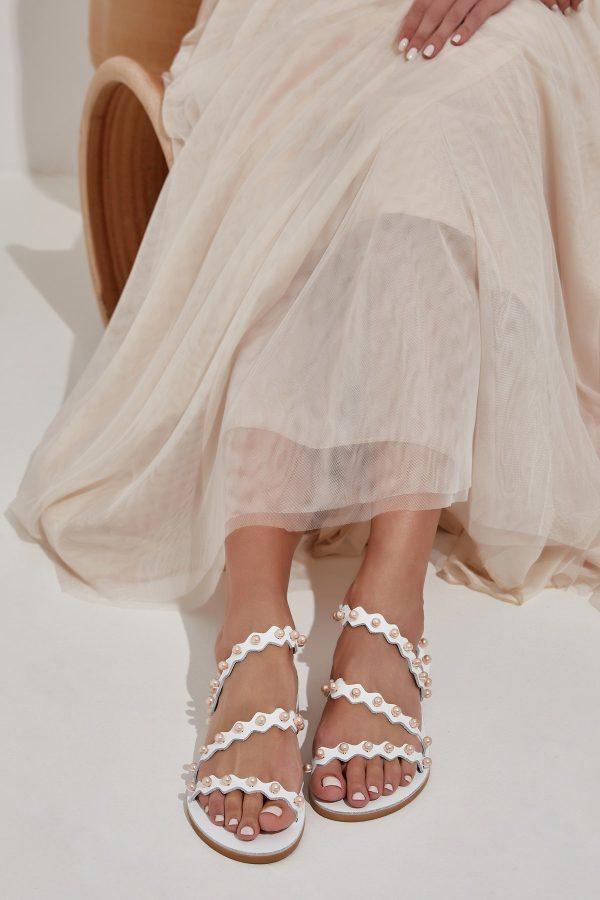 Λευκά σανδάλια για νύφη
